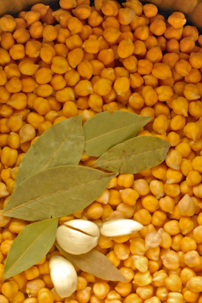Basic Chickpeas (aka Garbanzo Beans)