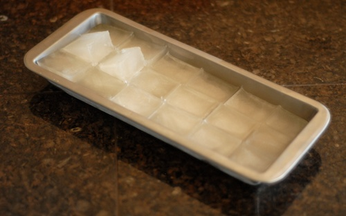 ice cubes in Onyx BPA free stainless steel ice cube tray