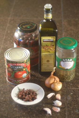 ingredients for pasta puttanesca