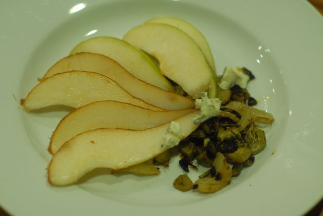 pears with fennel and blue cheese