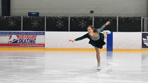 Happy Holidays! Solo at Holiday Ice Show